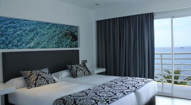 Hotel Nautico Ebeso - Ibiza - Bedroom