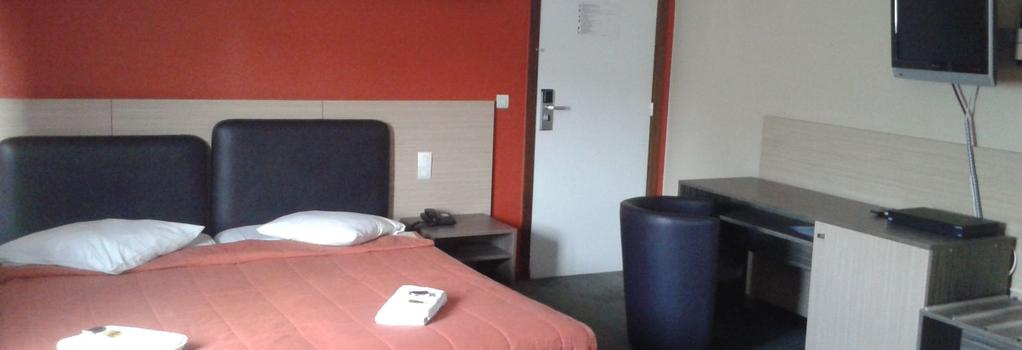Ares Budget Hotel Brussels - Brussels - Bedroom
