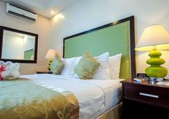 Azzurro Hotel - Angeles City - Bedroom