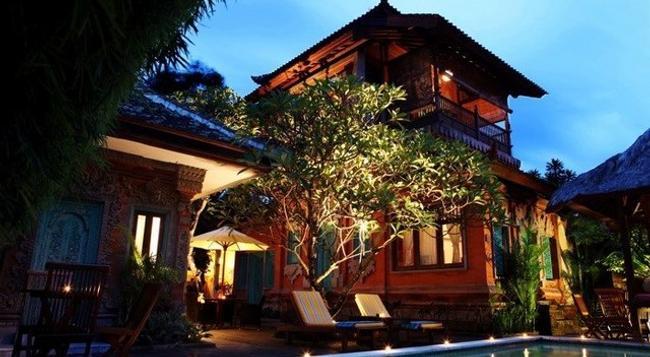 Sunhouse Guesthouse - Denpasar - Pool