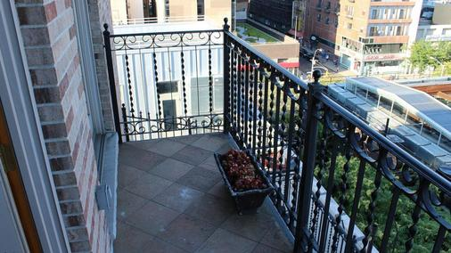 Blue Moon Boutique Hotel - New York - Balcony