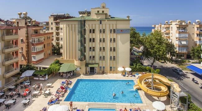 Kleopatra Beach Hotel - Alanya - Building