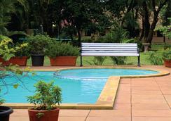Krisna All Suite Stay - Lonavala - Pool