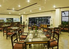 Plaza Del Norte Hotel & Convention Center - Laoag - Restaurant