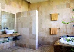 Bali Mystique Hotel & Apartments - Kuta - Bathroom