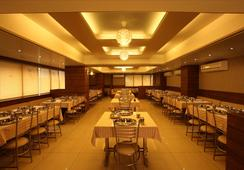 Hotel Classique - Rajkot - Restaurant