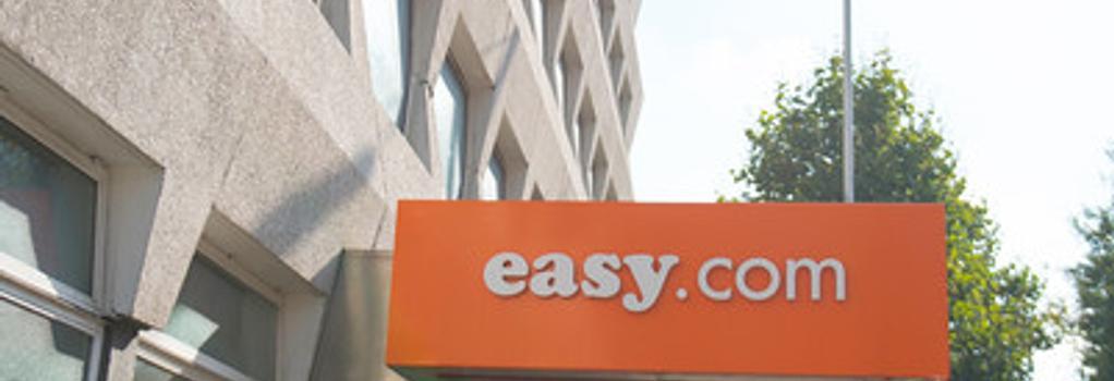 easyHotel Croydon - Croydon - Building