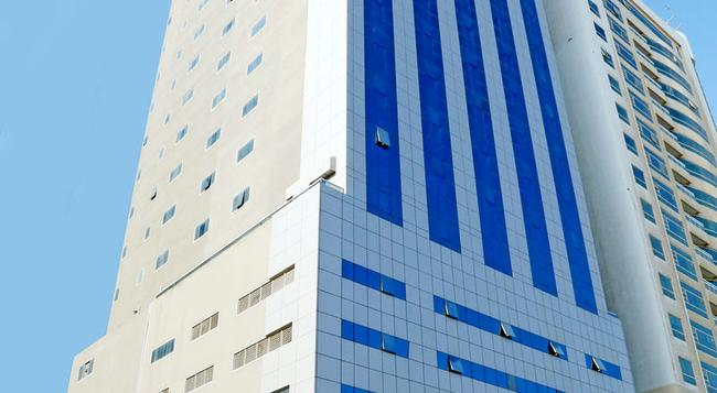 Royal Grand Suite Hotel - Sharjah - Building