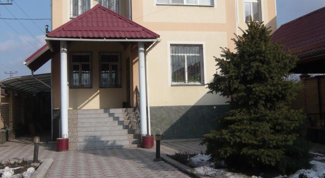 The Zhibek-Zholu Guest House - Bishkek - Building