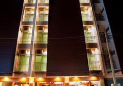 Deva Suites Patong - Patong - Outdoor view