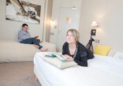 Hotel Les Alizes - Dinard - Bathroom
