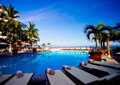 Costa Sur Resort & Spa - Puerto Vallarta - Pool