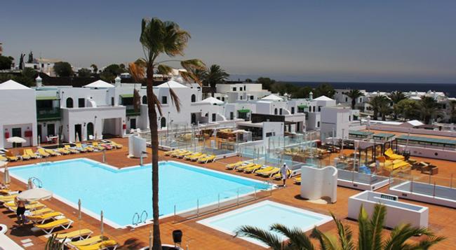 Gloria Izaro Club Hotel - Puerto del Carmen - Pool