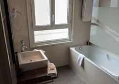 Hotel Amiraute - Cannes - Bathroom
