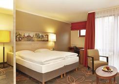 H+ Hotel Hannover - Hannover - Bedroom