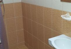 Vavilon 15 - Moscow - Bathroom