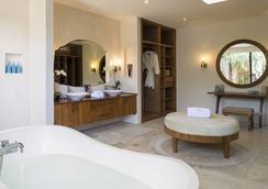 The Lataliana Estate - an elite haven - Kuta (Bali) - Bathroom