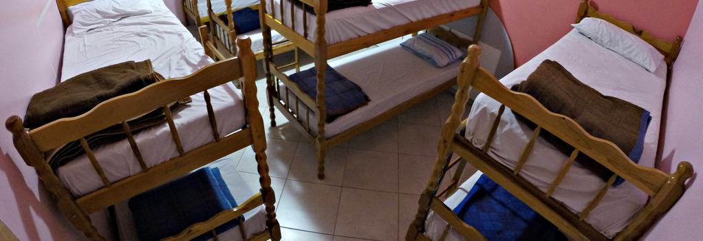 Hostel Saint Patricks - Foz do Iguaçu - Bedroom