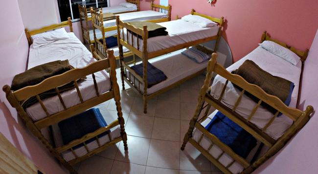 Hostel Saint Patricks - Foz do Iguaçu - Bedroom