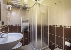 Hotel Veneto - Florence - Bathroom