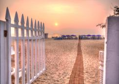 Estrela Do Mar Beach Resort - Calangute - Beach