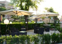 Hotel Darival Nomentana - Rome - Outdoor view
