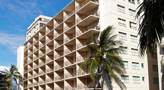 Aqua Waikiki Pearl - Honolulu - Building