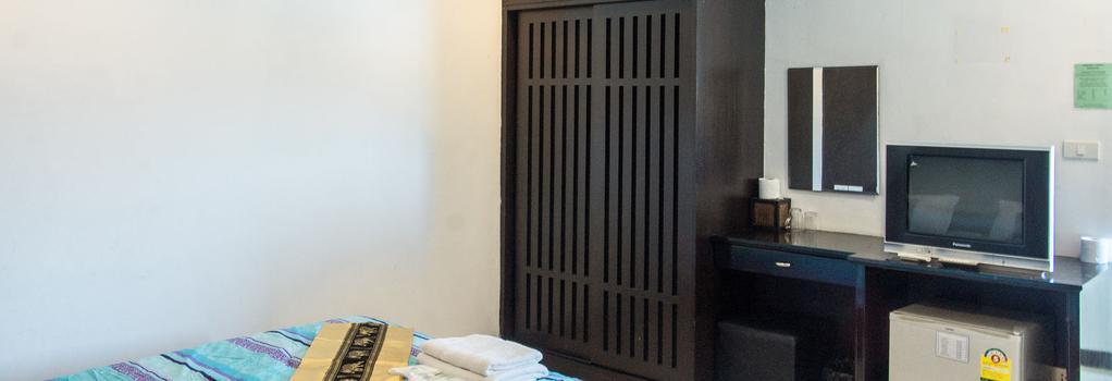 Patong Bay Guesthouse - Patong - Bedroom