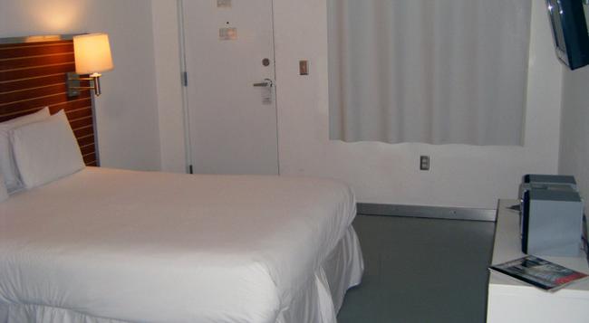 Aqua Hotel & Suites - Miami Beach - Bedroom