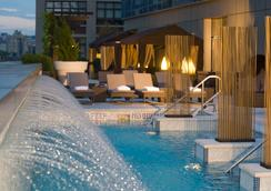 Jet Luxury at the Trump SoHo - New York - Pool