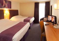 Premier Inn Heathrow - Hounslow - Bedroom