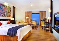 Aston Pontianak Hotel and Convention Center - Pontianak - Bedroom