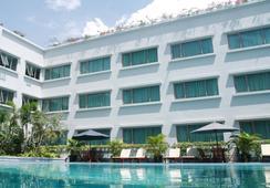 Aston Tropicana Hotel Bandung - Bandung - Pool