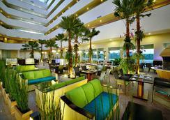 Aston Cirebon Hotel & Convention Center - Cirebon - Restaurant