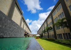 Aston Denpasar Hotel and Convention Center - Denpasar (Bali) - Outdoor view
