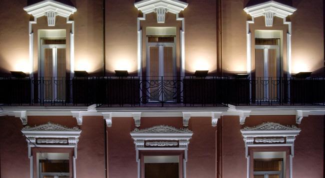 Hotel Adria - Bari - Building
