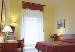 Hotel Adria - Bari - Bedroom