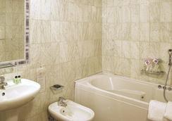 Hotel Panama - Florence - Bathroom