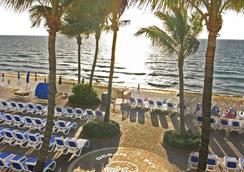 Ocean Sky Hotel and Resort - Fort Lauderdale - Beach