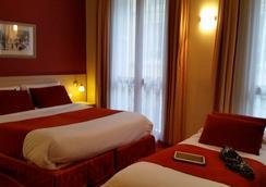 Hotel les Cigales - Nice - Bedroom