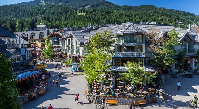 Crystal Lodge & Suites - Whistler - Building