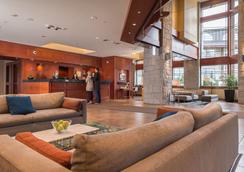 Crystal Lodge & Suites - Whistler - Lobby
