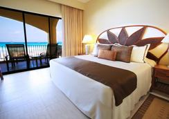 The Royal Caribbean - An All Suites Resort - Cancun - Bedroom