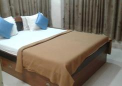 Hotel Magic Palace - Ahmedabad - Bedroom