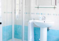 B&B Trieste Plus - Trieste - Bathroom