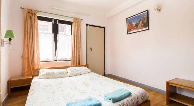 Le Rhododendron Chambres Dhotes B & B - Kathmandu - Bedroom
