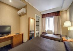 939 Hotel - Rome - Bedroom