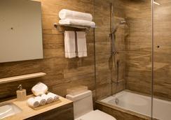 Ar 218 - Mexico City - Bathroom