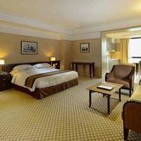 Pacific Regency Hotel Suites Guestroom
