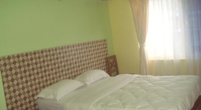 Hotel Bishram - Pokhara - Bedroom
